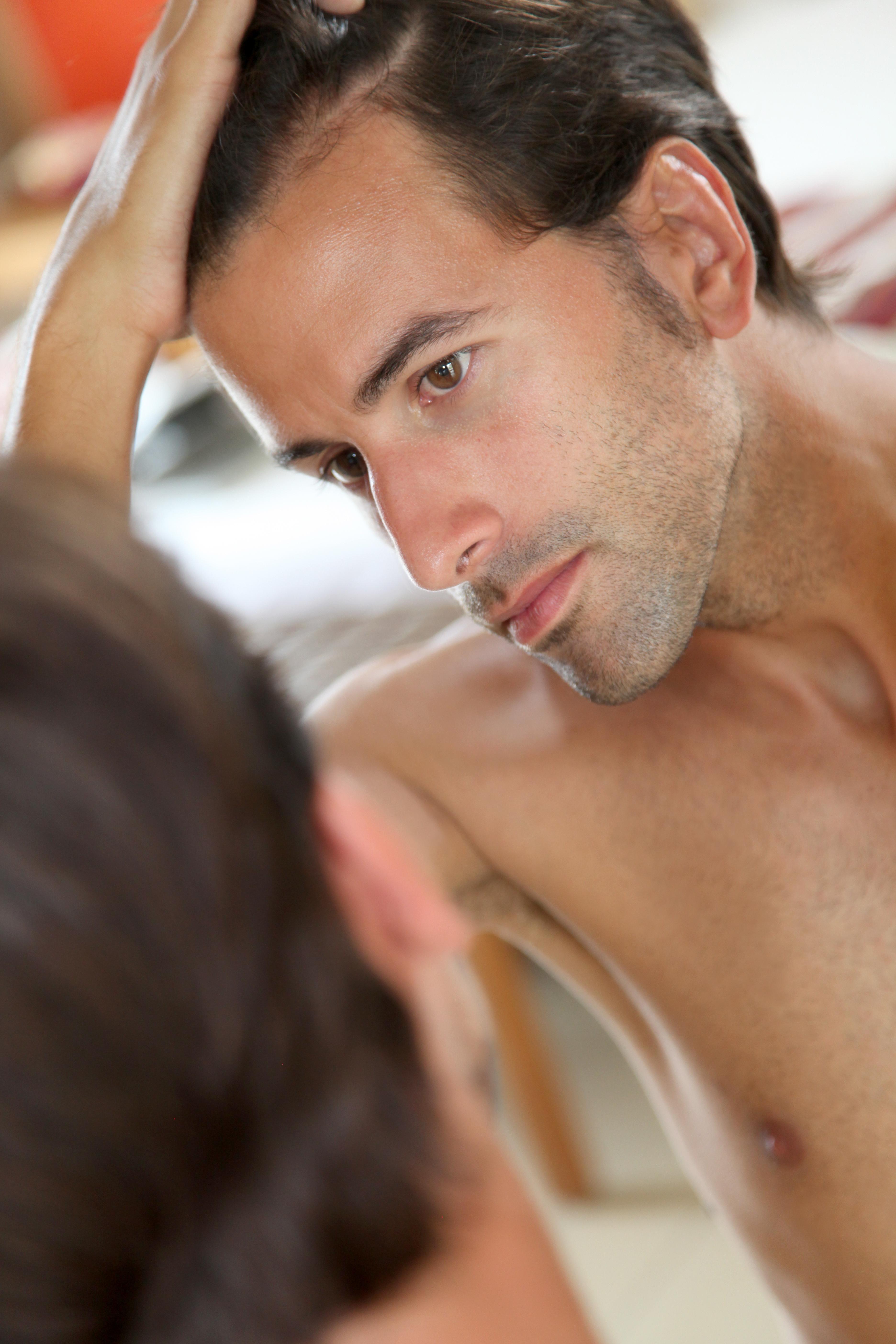 Maschere per capelli con uovo di cognac e olio doliva