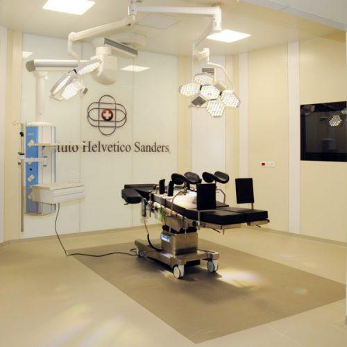 lettino operatorio clinica trapianto capelli
